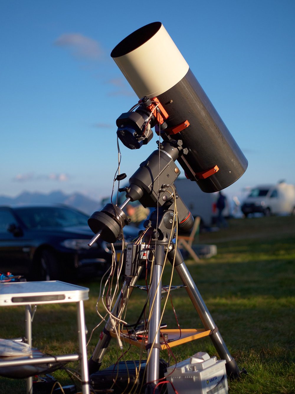 EQ6 mechanikán QSI 683 CCD kamerával, 2014-ben az Emberger-Almon.