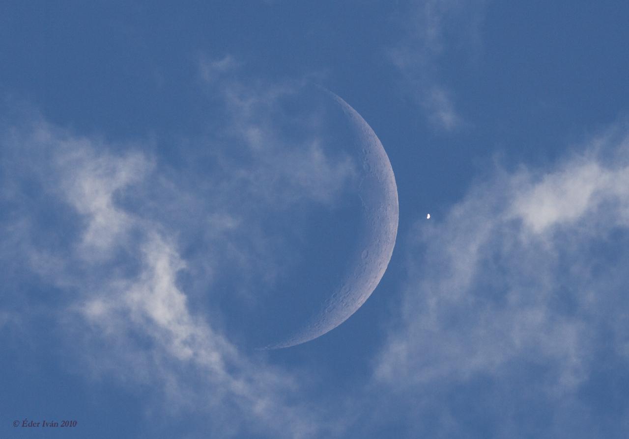 A Vénusz és a Hold a nappali égen