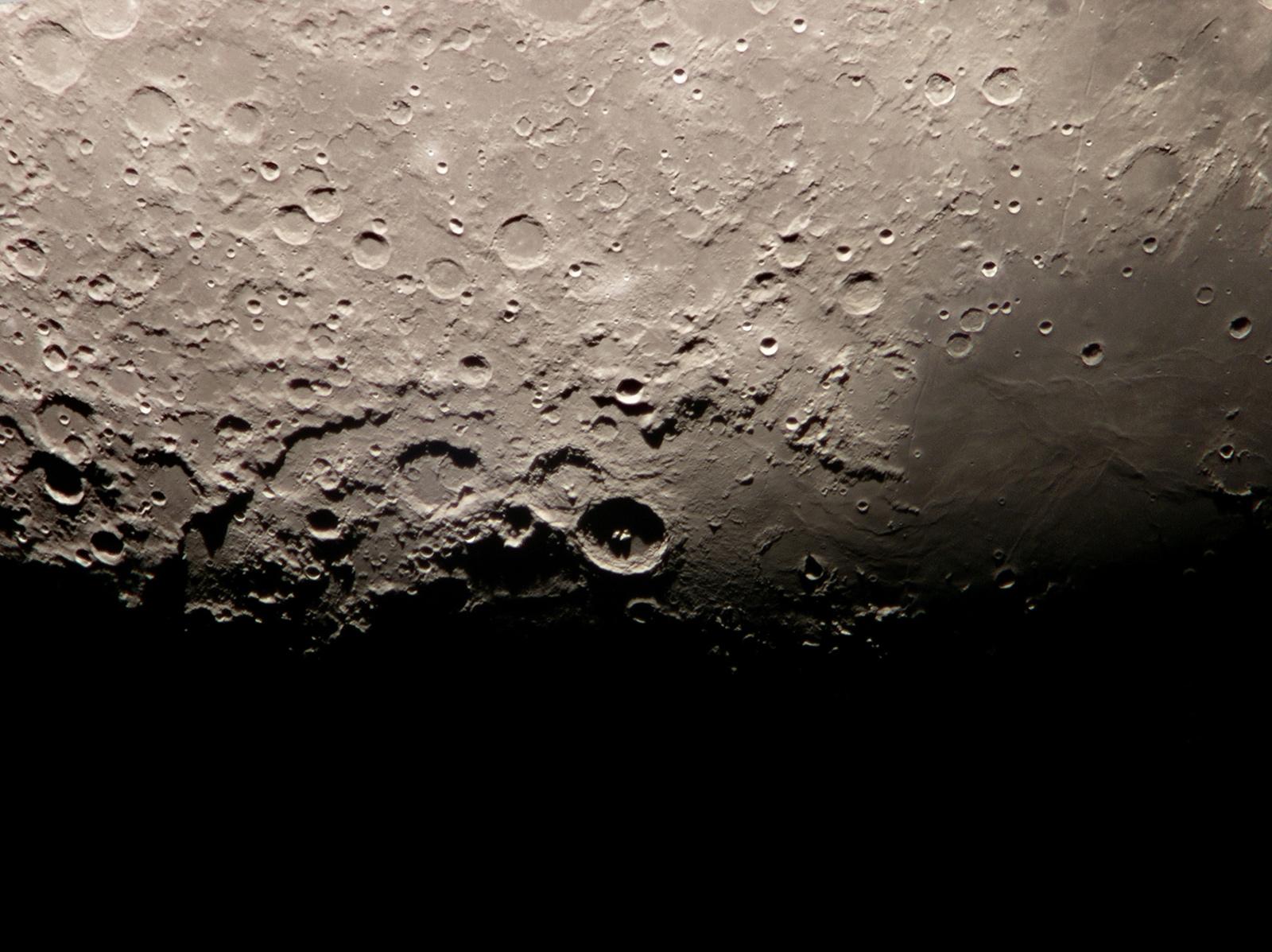 A Kráterhármas a terminátoron