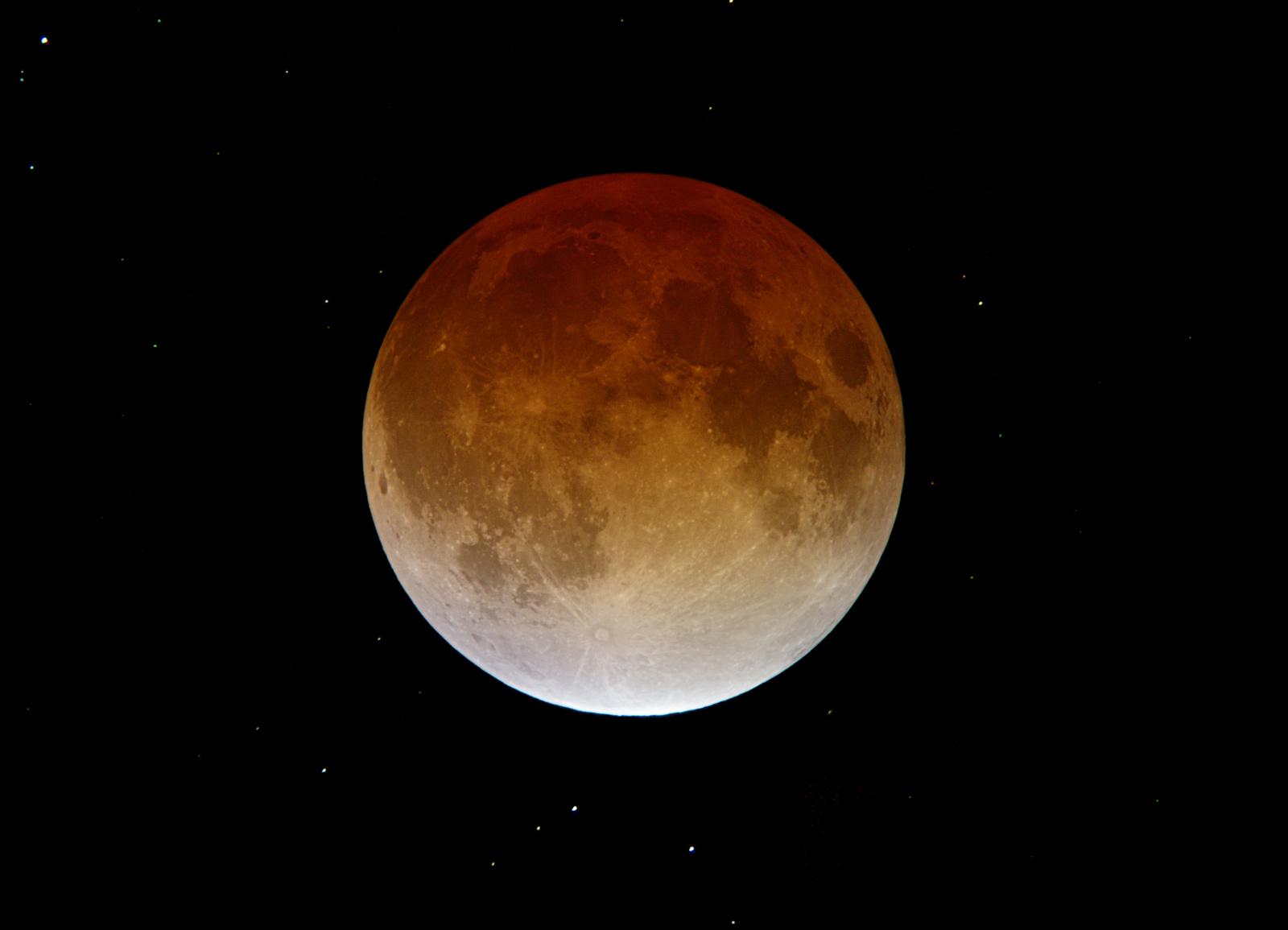 Holdfogyatkozás 2003 november 9-én