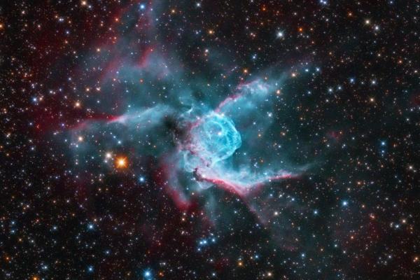 A Nyuszi-köd (NGC 2359)
