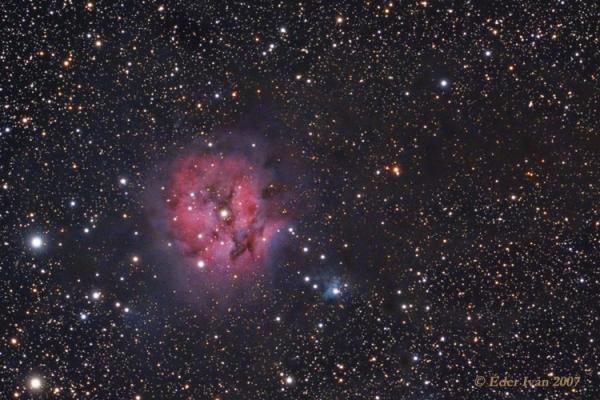 A Selyemgubó-köd (IC 5146)