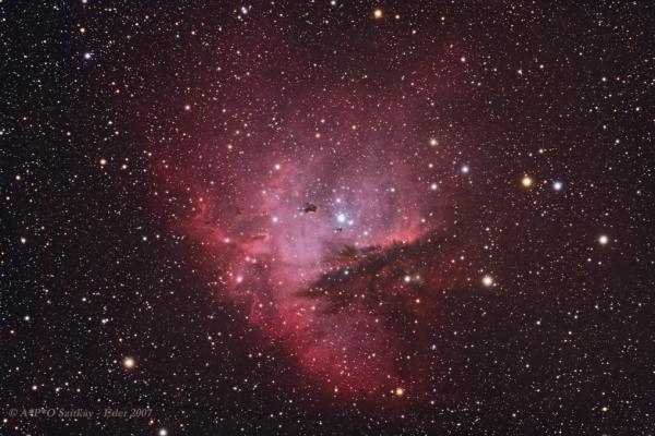 A Bohócarc - köd (NGC 281)