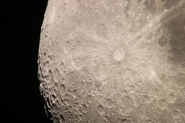 A Tycho és a Clavius kráter környéke