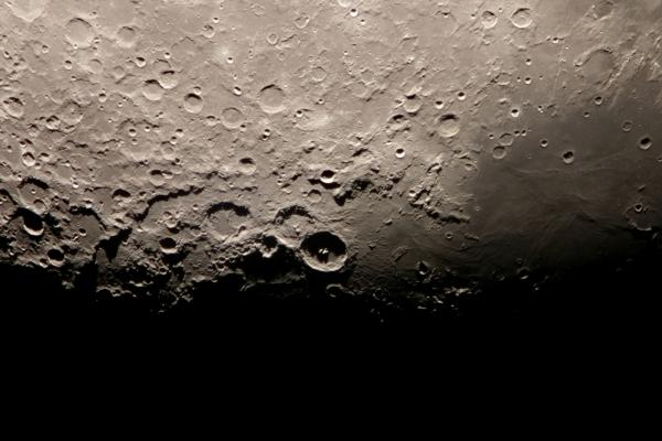 A Kráterhármas