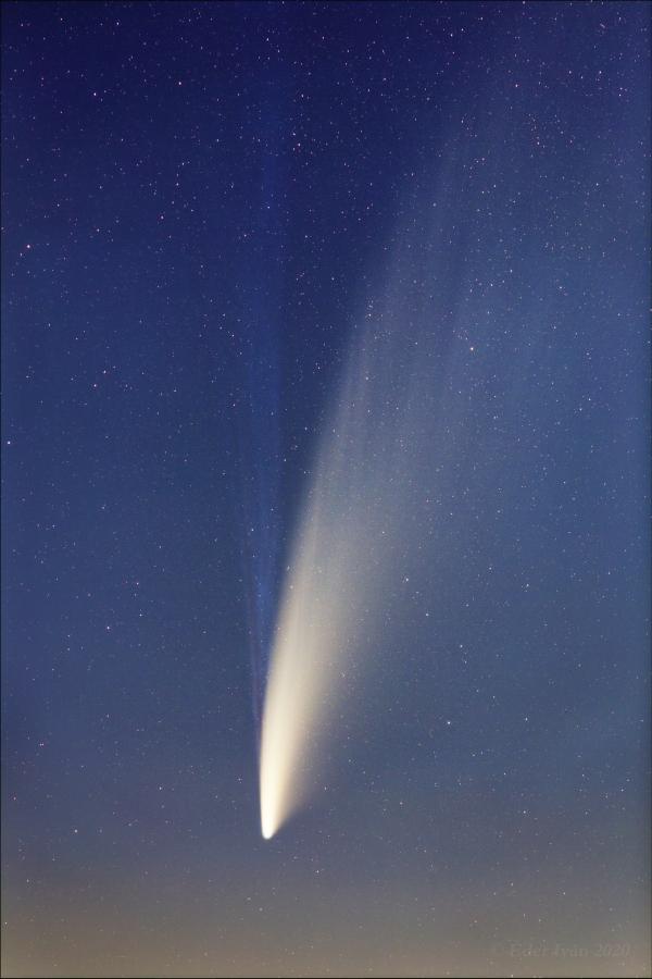 Hajnali NEOWISE